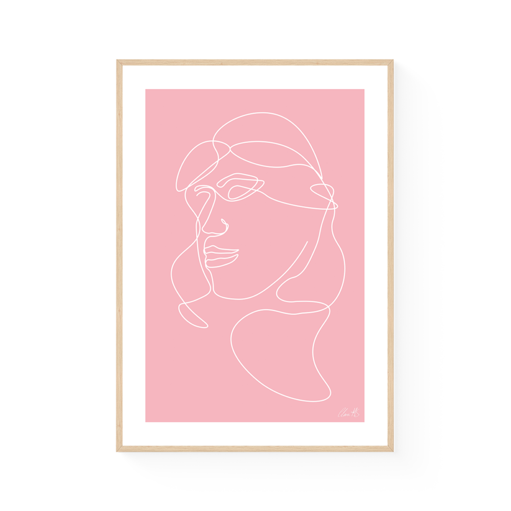kvinde i pink